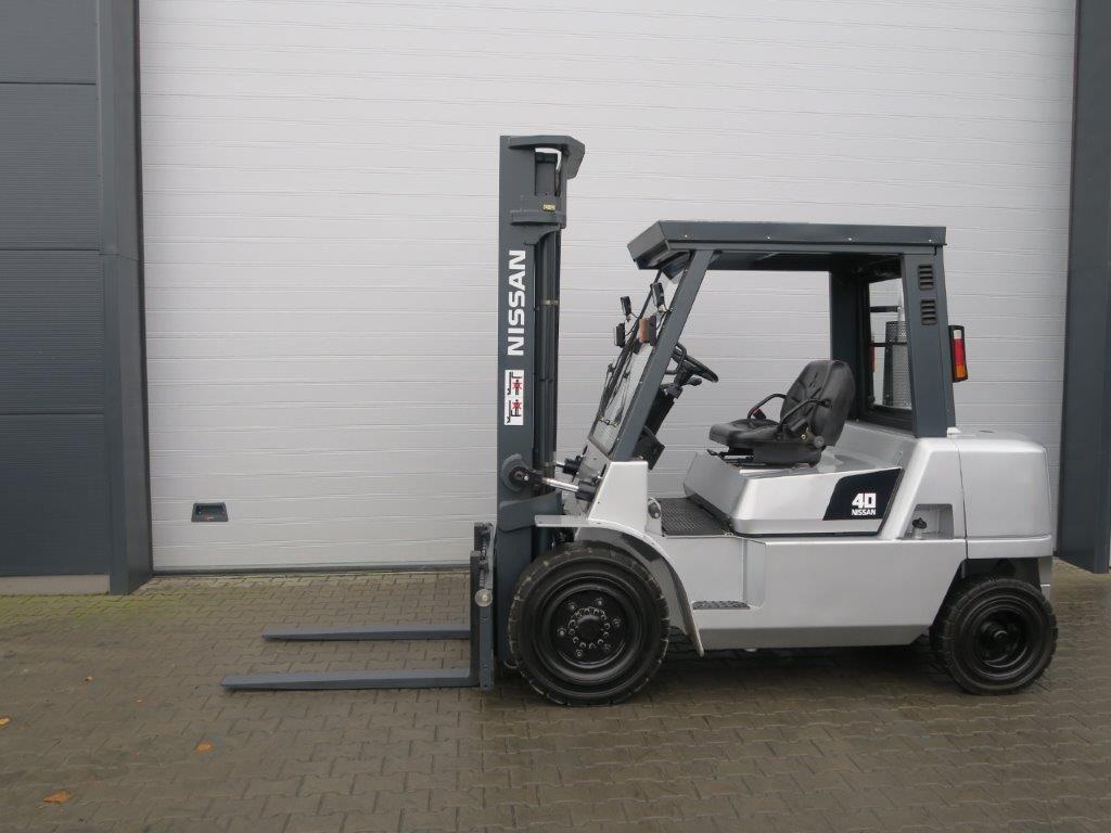 Nissan-F04D40Q-Dieselstapler-http://www.sago-online.com