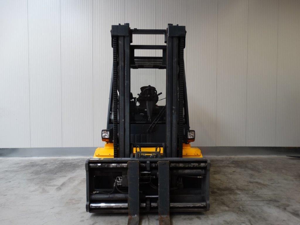 Jungheinrich-DFG 670-Dieselstapler-www.sago-online.com