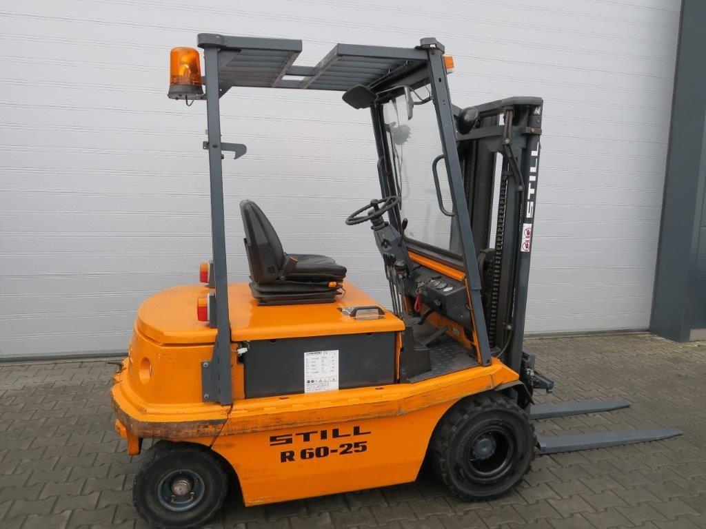 Still-R60-25 TRIPLEX-Elektro 4 Rad-Stapler-www.sago-online.com