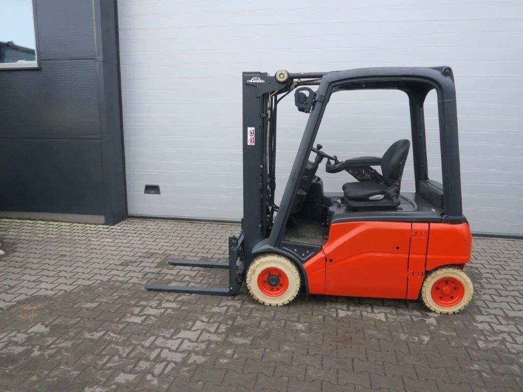 Linde-E16P-01-Elektro 4 Rad-Stapler-http://www.sago-online.com