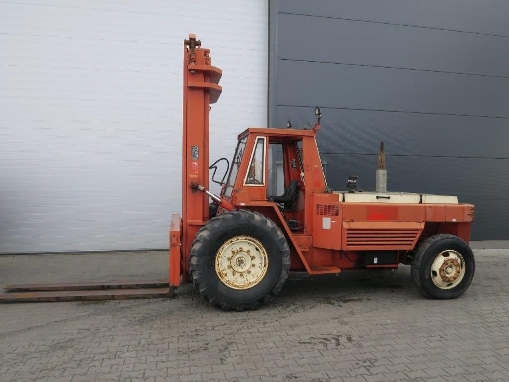 Manitou MC100B - Diesel Geländestapler www.burgstaller.cc
