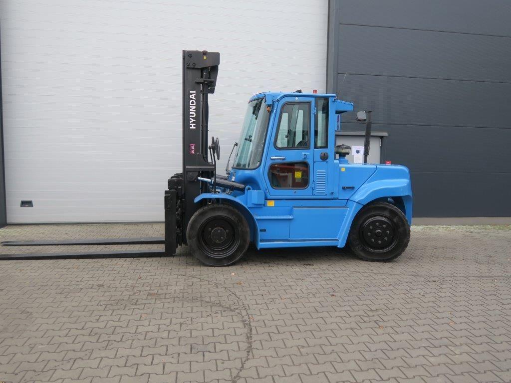 Hyundai-80D-7E-Schwerlaststapler-http://www.sago-online.com