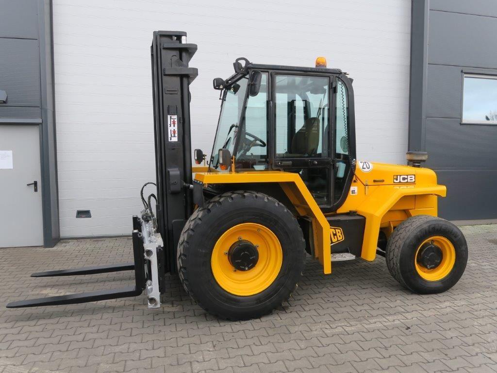 JCB-940-4 - TRIPLEX - 4x4-Geländestapler-http://www.sago-online.com