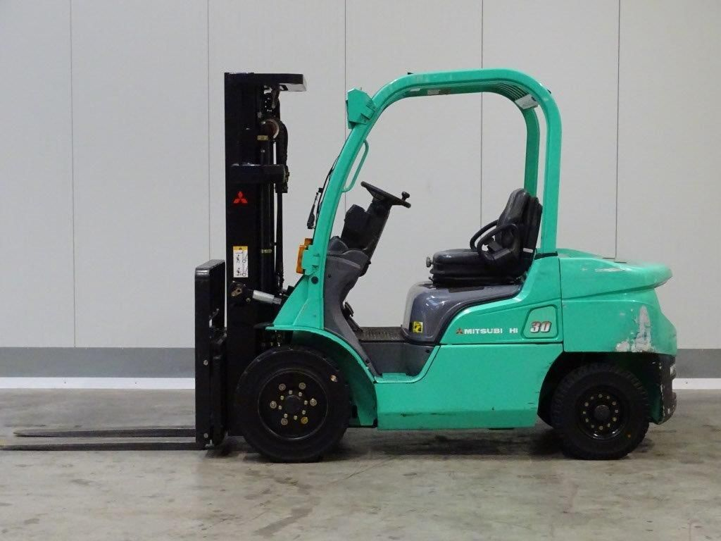 Mitsubishi-FD30N - TRIPLEX-Dieselstapler-http://www.sago-online.com