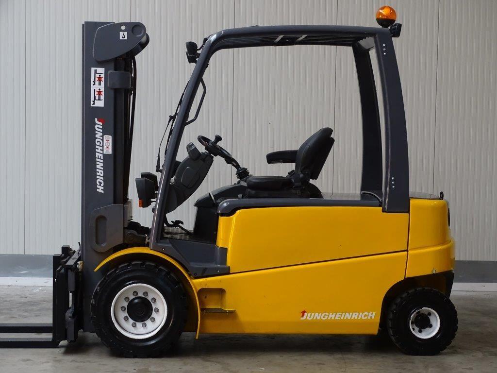 Jungheinrich-EFG550 - TRIPLEX-Elektro 4 Rad-Stapler-http://www.sago-online.com