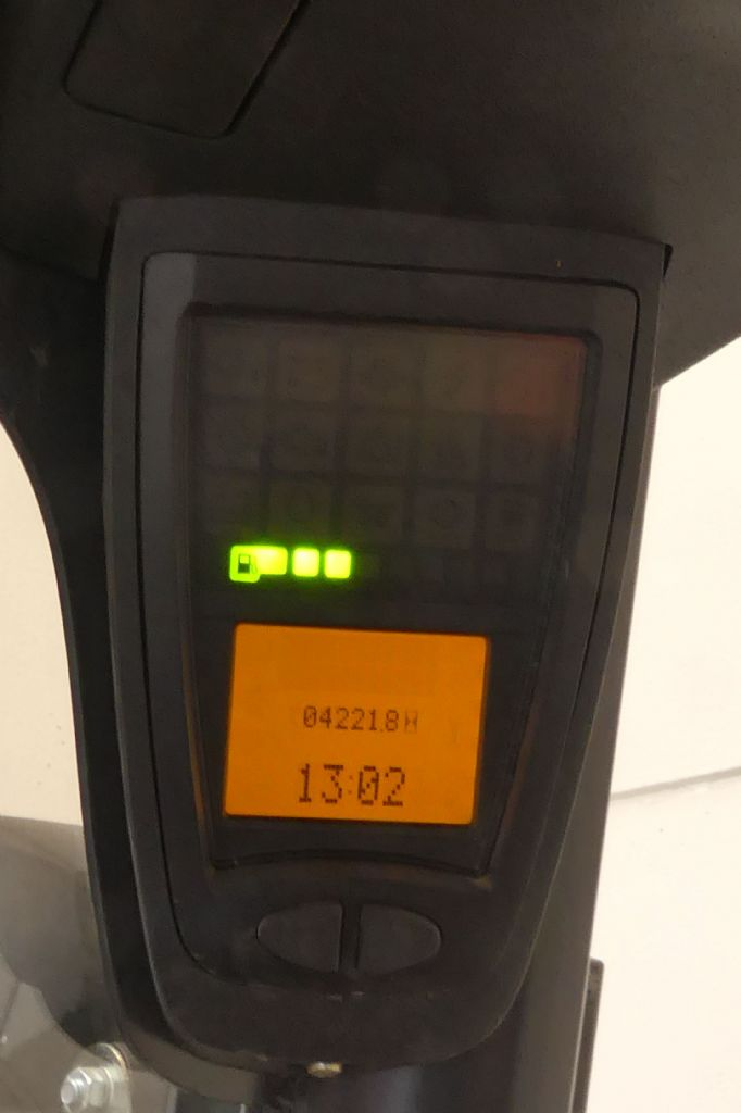 Linde-H 25 T 392-02-Treibgasstapler gebraucht-stapler.de
