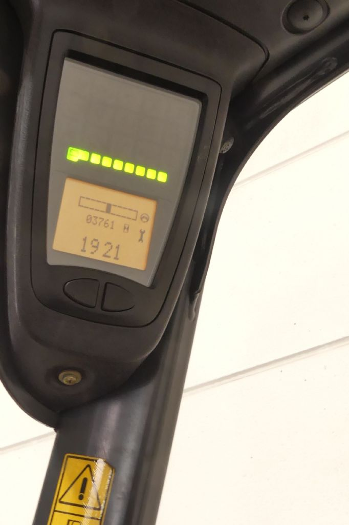 Linde-E 18 386-Elektro 3 Rad-Stapler gebraucht-stapler.de