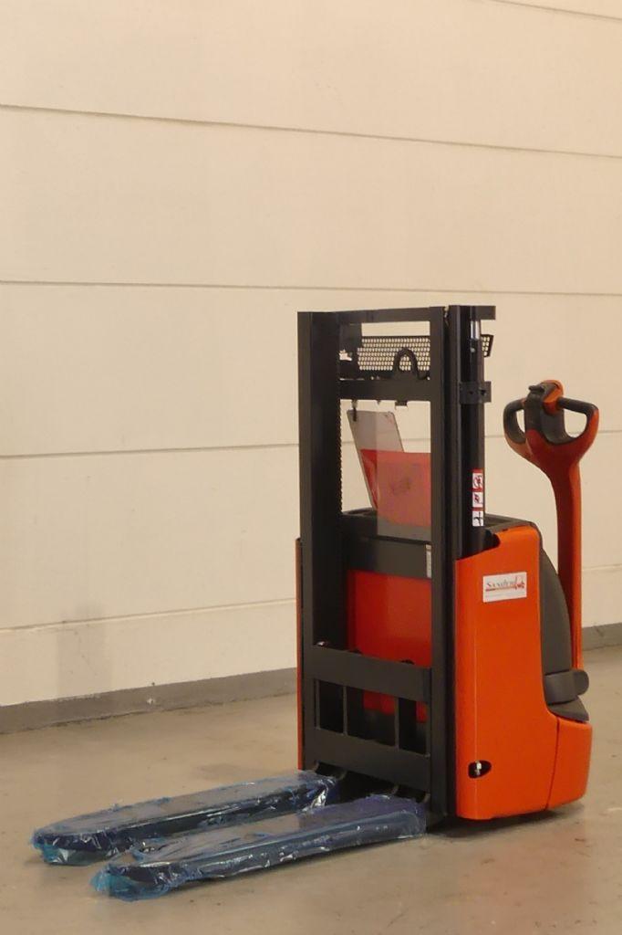 Linde-L 12 1172-01-Hochhubwagen gebraucht-stapler.de