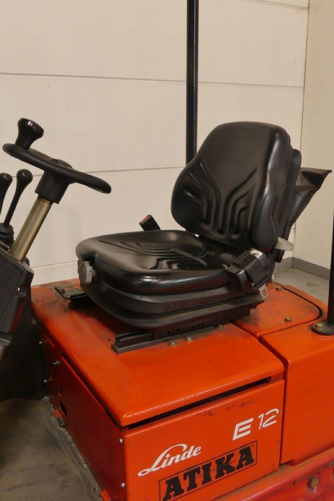 Linde-E 12 02-Elektro 3 Rad-Stapler gebraucht-stapler.de