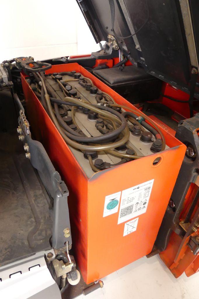 Linde-E 12 EVO 386-02-Elektro 3 Rad-Stapler gebraucht-stapler.de