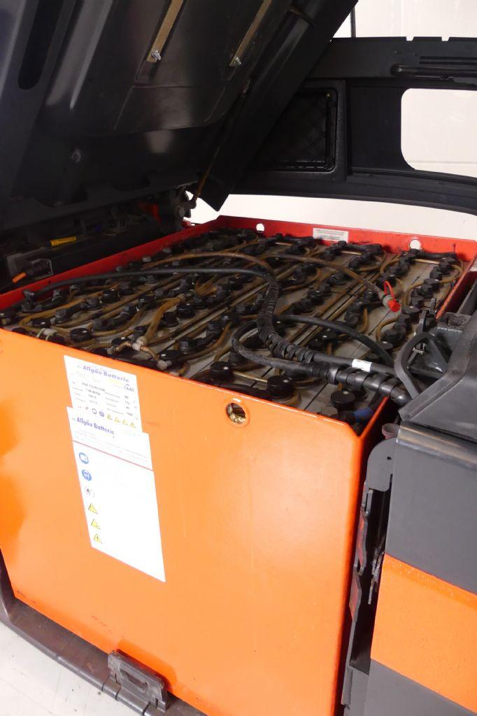 Linde-E 25/600 HL 387-Elektro 4 Rad-Stapler gebraucht-stapler.de