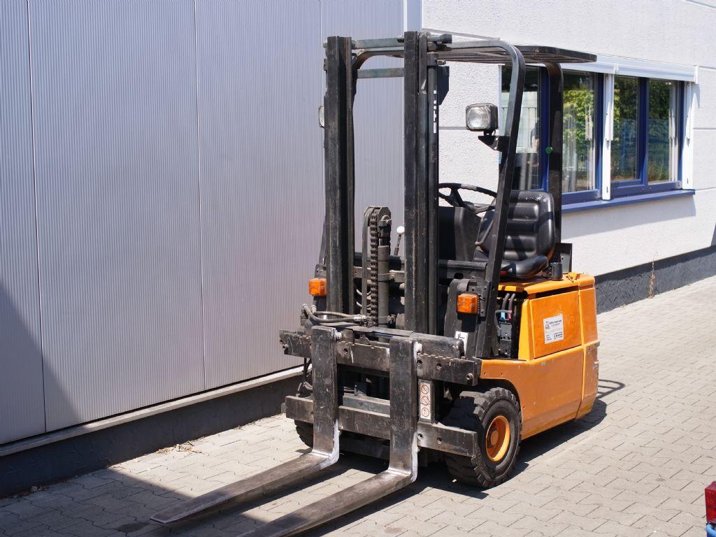 Still-R50-12-Elektro 3 Rad-Stapler-www.gabelstapler-schmidt.de