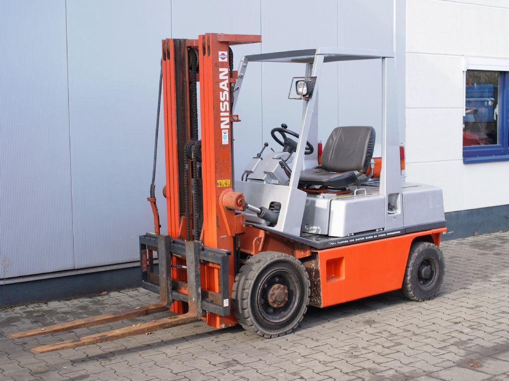 Nissan-PH 02A 25U-Treibgasstapler-www.gabelstapler-schmidt.de