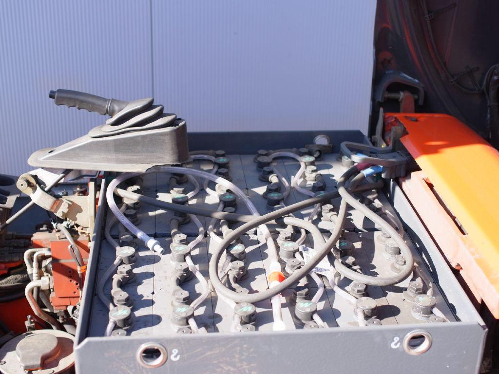 Linde-E 20P-02-Elektro 4 Rad-Stapler-www.gabelstapler-schmidt.de