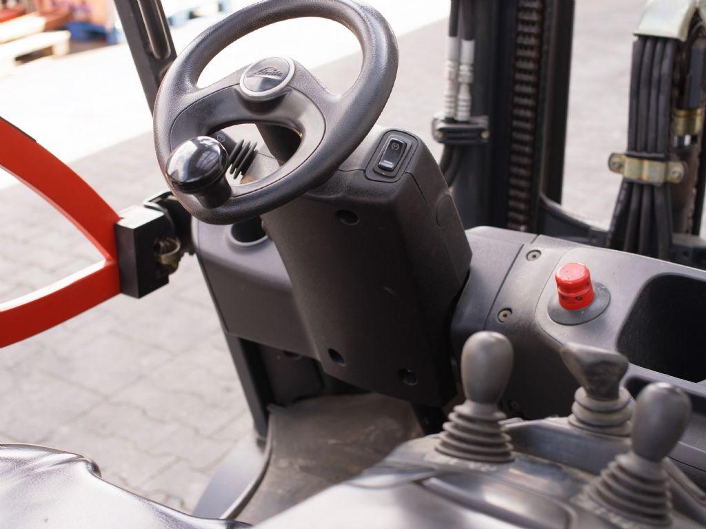 Linde-E 25L-Elektro 4 Rad-Stapler-www.gabelstapler-schmidt.de