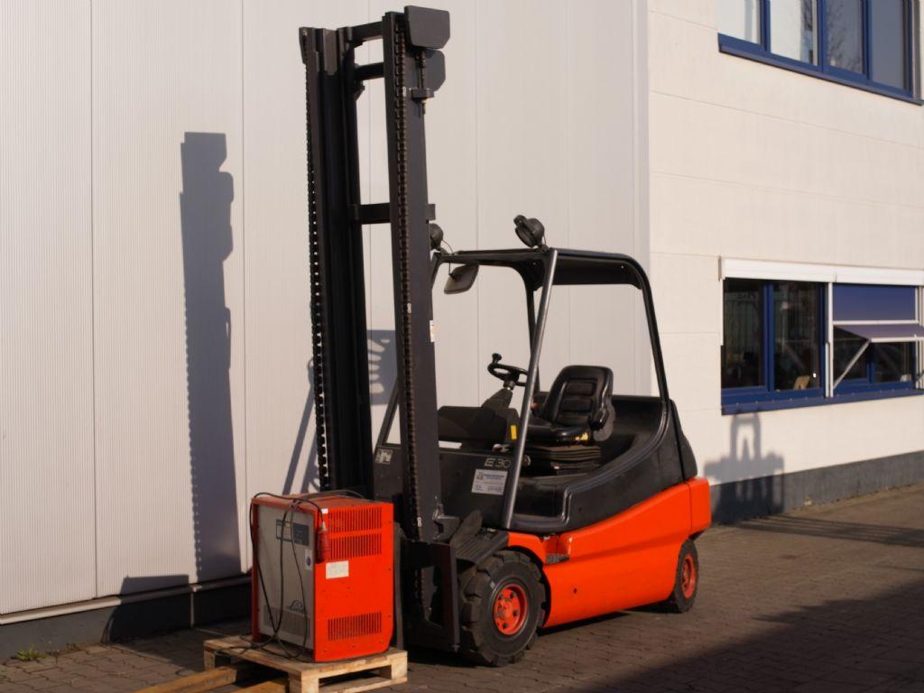 Linde-E 30/01-Elektro 4 Rad-Stapler-www.gabelstapler-schmidt.de