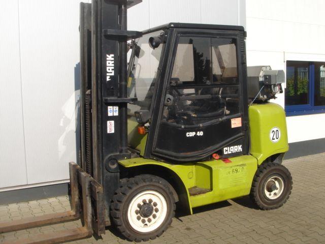 Clark-CDP 40-Dieselstapler-www.gabelstapler-schmidt.de