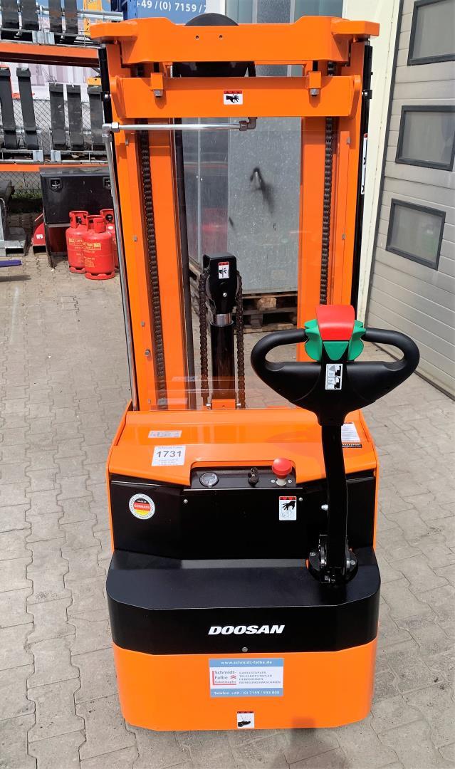 Doosan LEDS16 Hochhubwagen www.schmidt-falbe.de