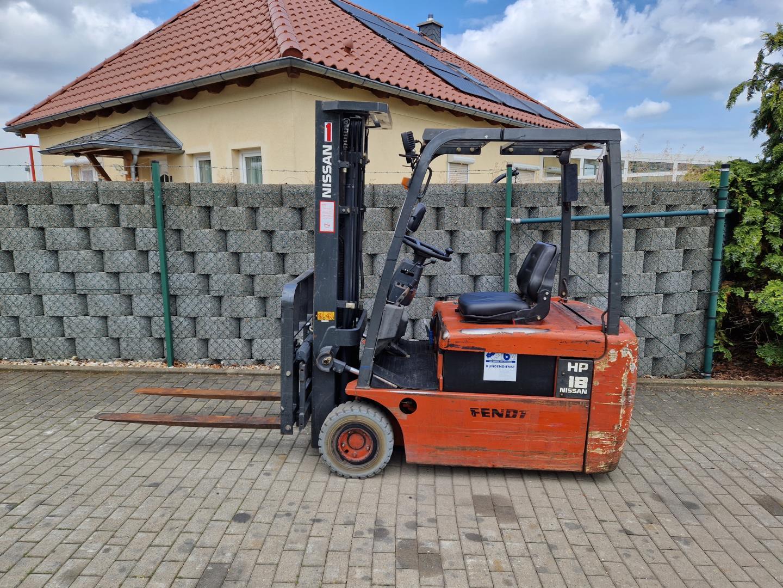 UniCarriers-1Q2L25Q-Elektro 4 Rad-Stapler-www.schuetze-gabelstapler.de
