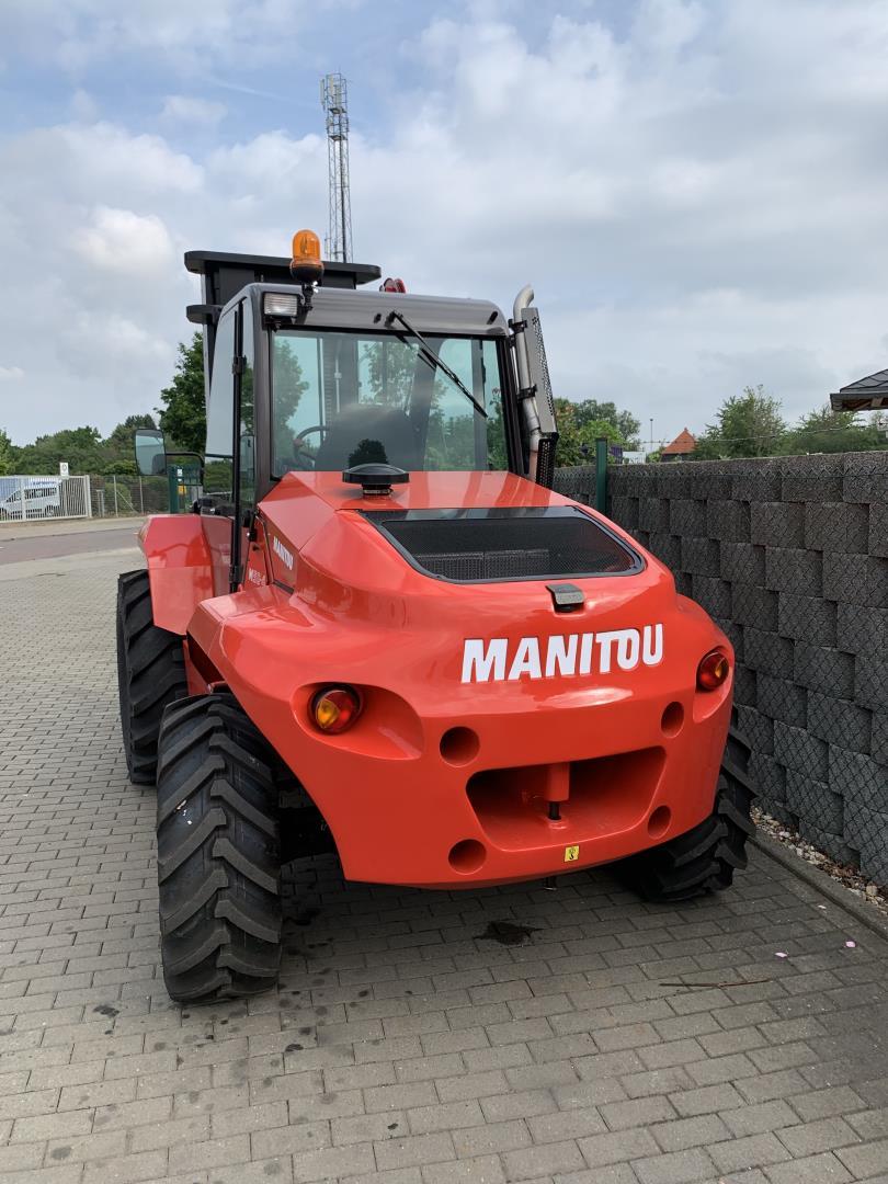 Manitou-M50.4-Geländestapler-www.schuetze-gabelstapler.de
