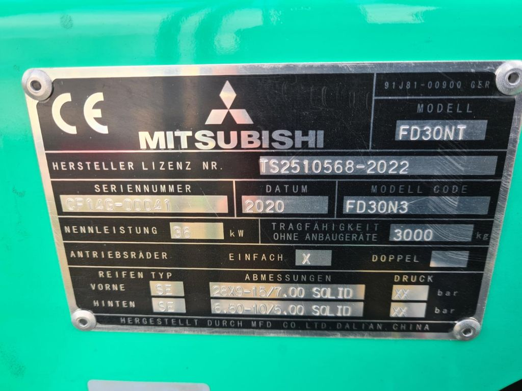 Mitsubishi-FD30N3-Dieselstapler-www.schuetze-gabelstapler.de