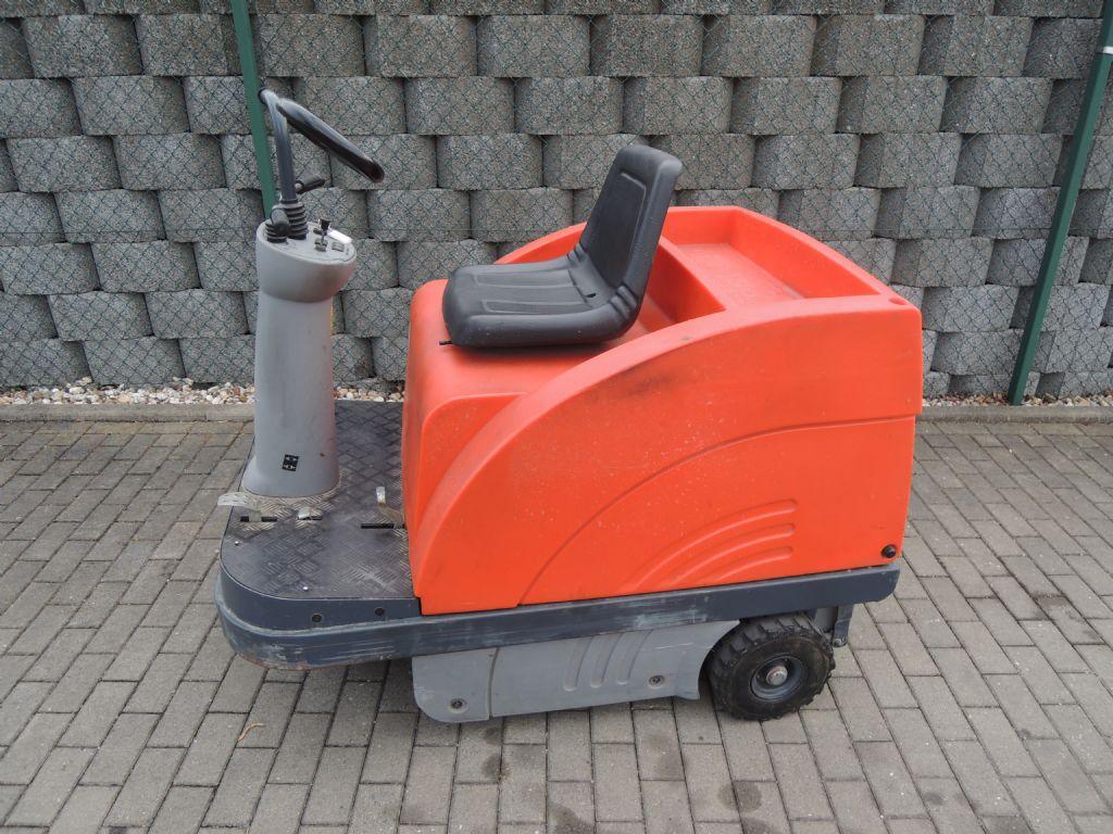 Hako-Jonas 900E-Kehrmaschinen-www.schuetze-gabelstapler.de