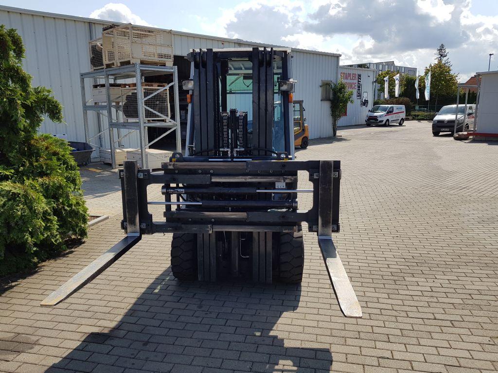 Nissan-FHB30-E1-Elektro 4 Rad-Stapler-www.schuetze-gabelstapler.de