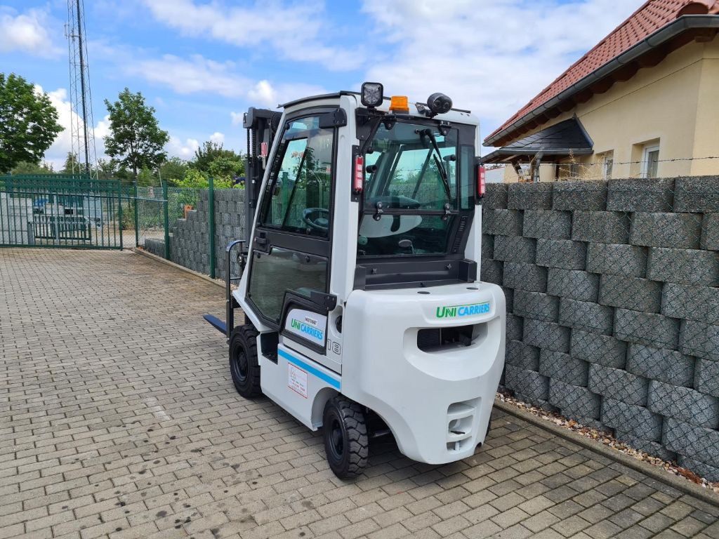 UniCarriers-Y1D1A18Q-Dieselstapler-www.schuetze-gabelstapler.de