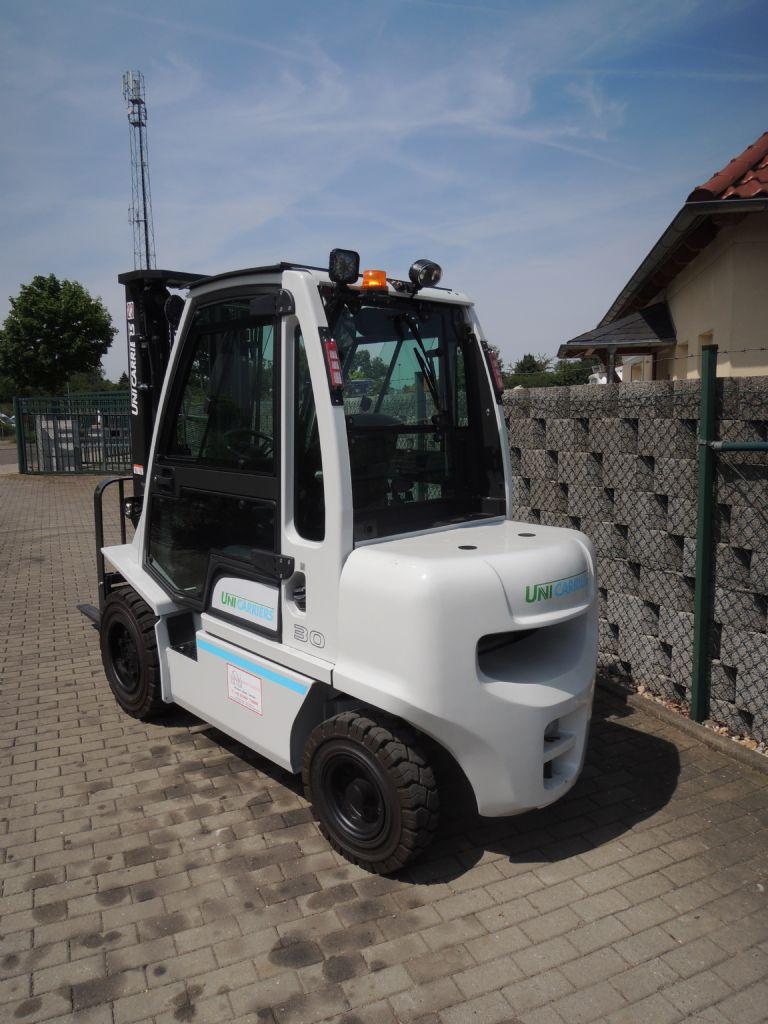 UniCarriers-YG1D2A30Q-Dieselstapler-www.schuetze-gabelstapler.de