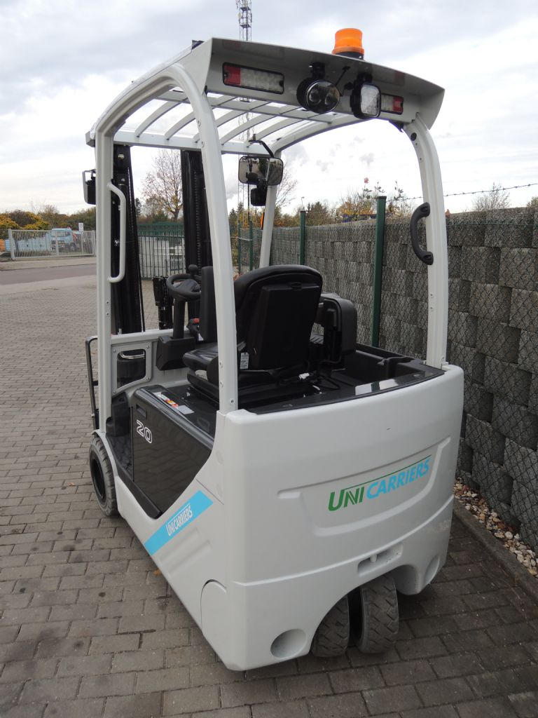 UniCarriers-AG2N1L20Q-Elektro 3 Rad-Stapler-www.schuetze-gabelstapler.de
