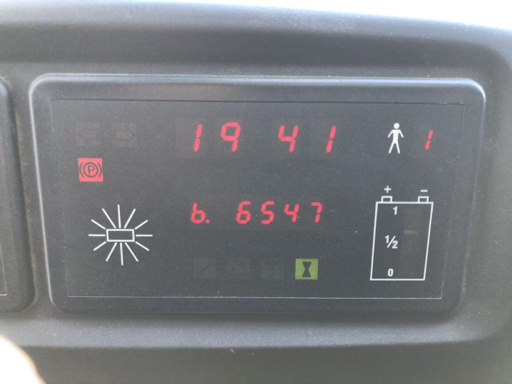 BT RR B1 Schubmaststapler www.schumacher-gabelstapler.de
