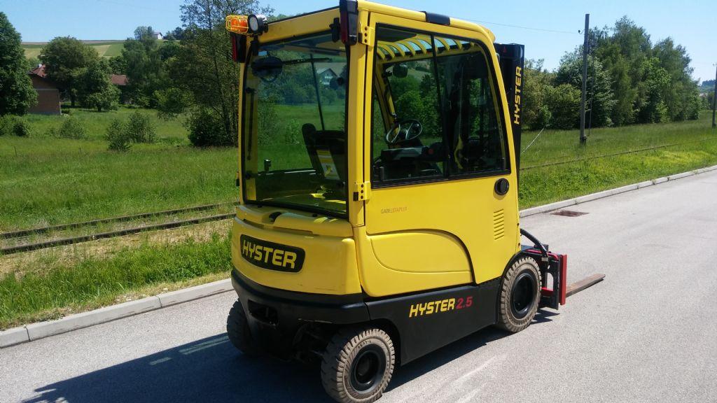 Hyster J2.5XN Elektro 4 Rad-Stapler www.sks-stapler.at