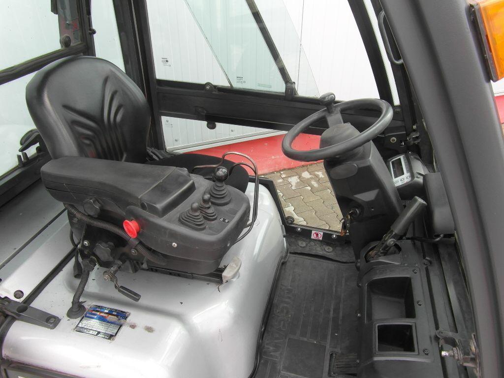 Nissan YG1D2A30Q Dieselstapler www.sks-stapler.at