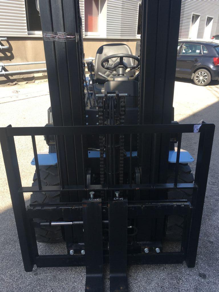 UTILEV UT30P Neumaschine Dieselstapler www.sks-stapler.at