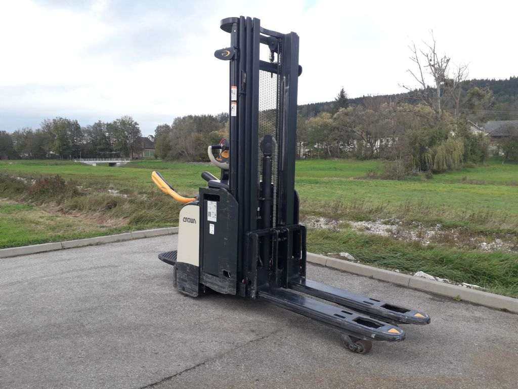 Crown ETI 4000 1.6 Hochhubwagen www.sks-stapler.at