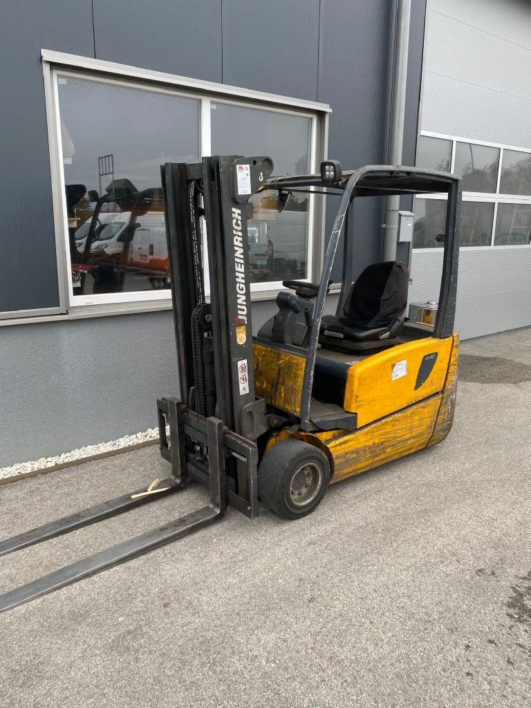 Jungheinrich EFG Electric 3-wheel forklift www.staplertechnik.at