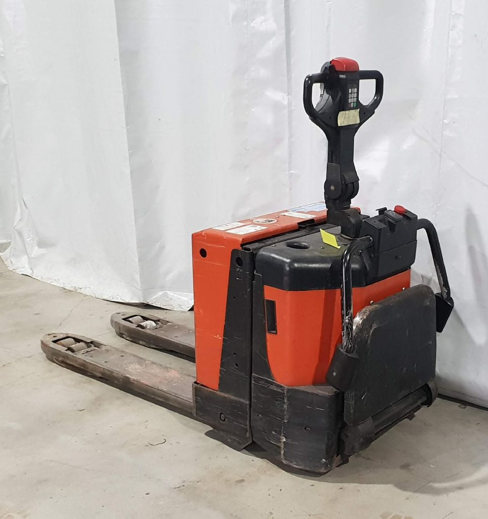 BT LPE200/8 Electric Pallet Truck www.staplertechnik.at