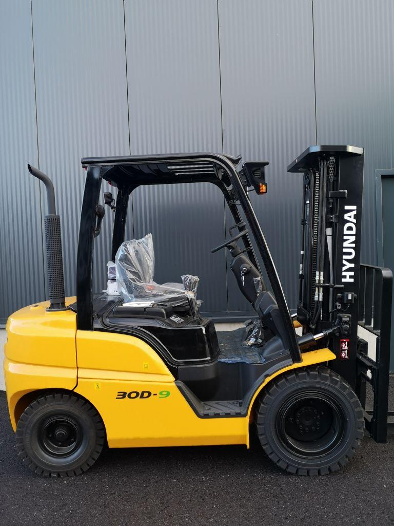 Hyundai 30D-9 Dieselstapler www.staplerprofi.co.at