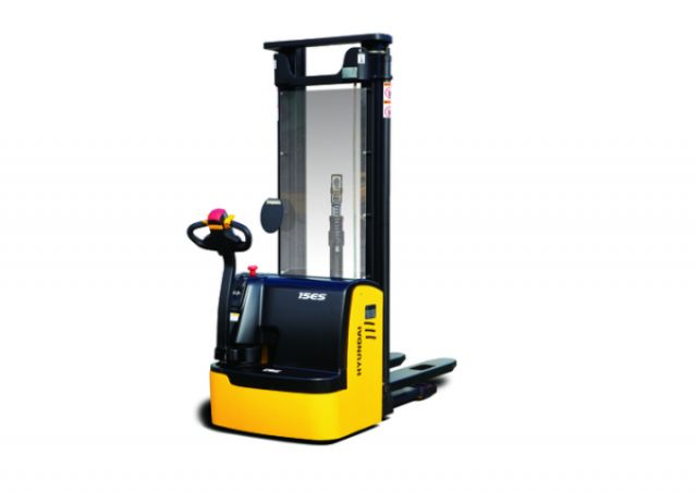 Hyundai 15ES High Lift stacker www.staplertechnik.at