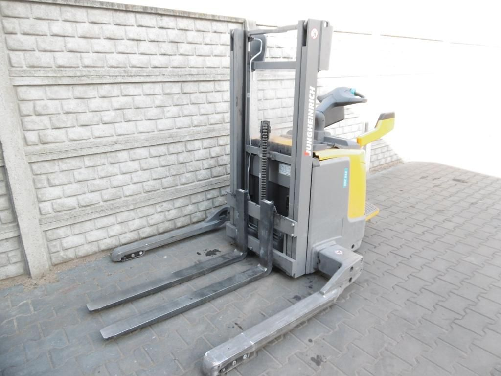 Jungheinrich ERCB12 High Lift stacker www.superlift-forklift.com