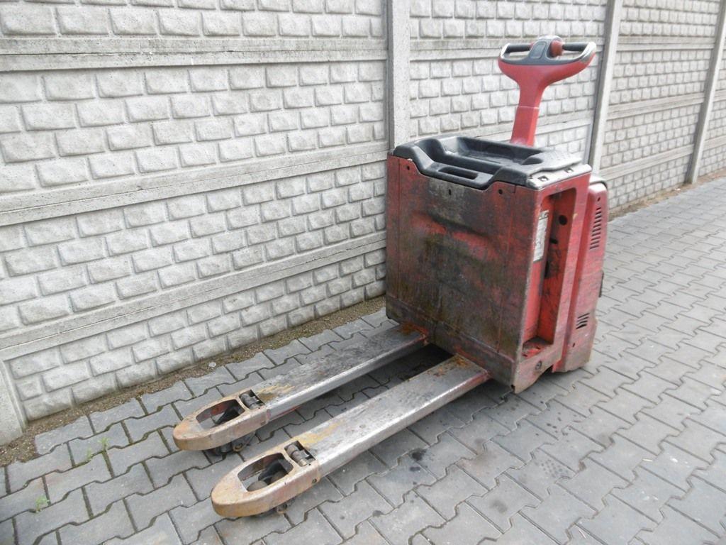 Linde T30 Electric Pallet Truck www.superlift-forklift.com