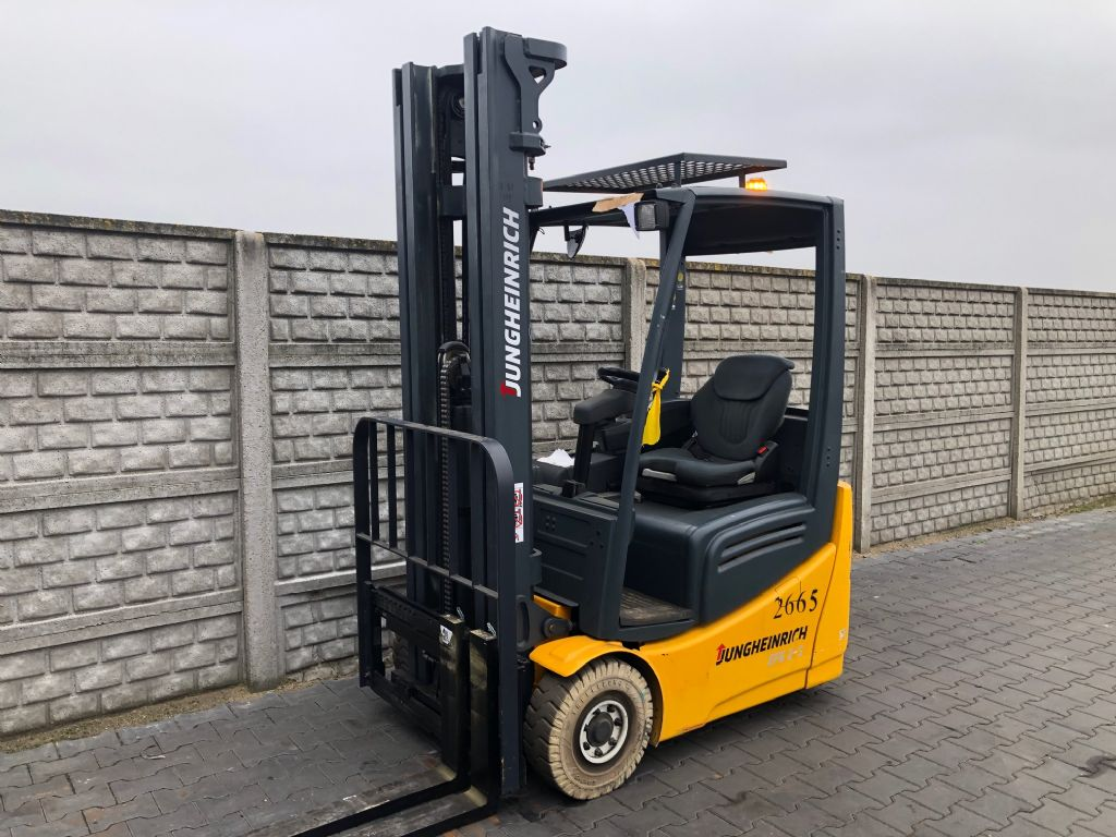Jungheinrich EFG215 Electric 3-wheel forklift www.superlift-forklift.com