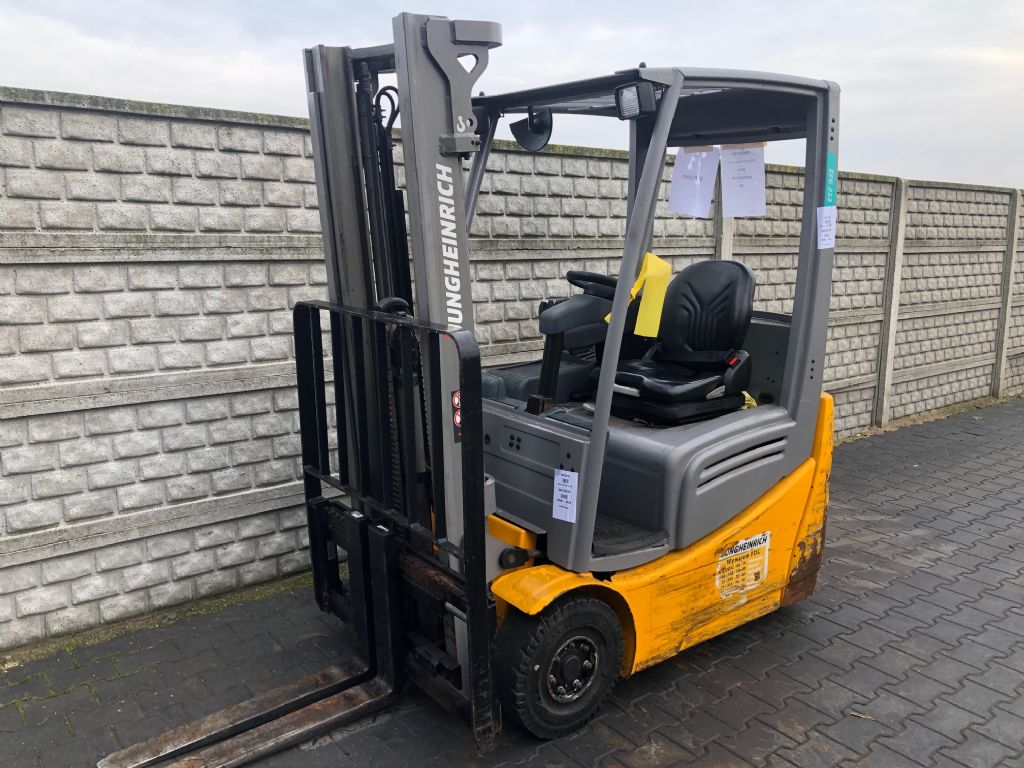 Jungheinrich EFG213 Electric 3-wheel forklift www.superlift-forklift.com