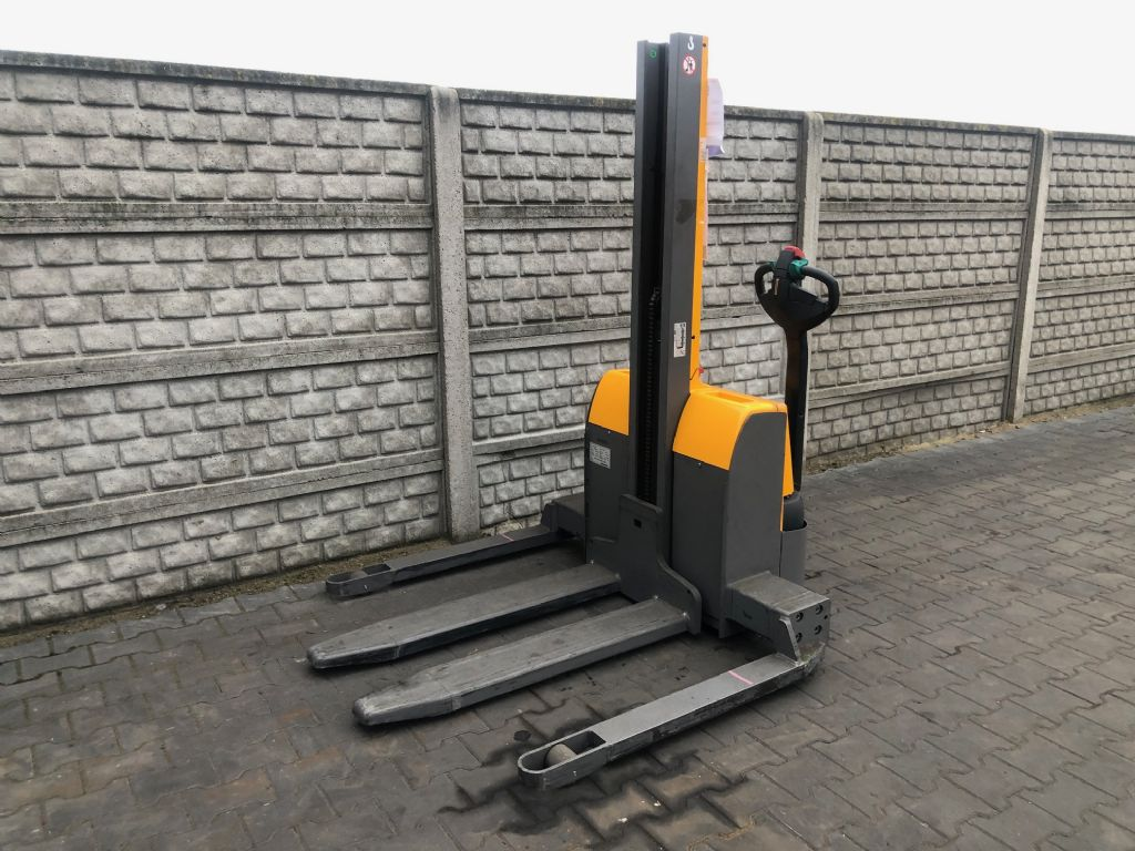 Jungheinrich EMC10B High Lift stacker www.superlift-forklift.com