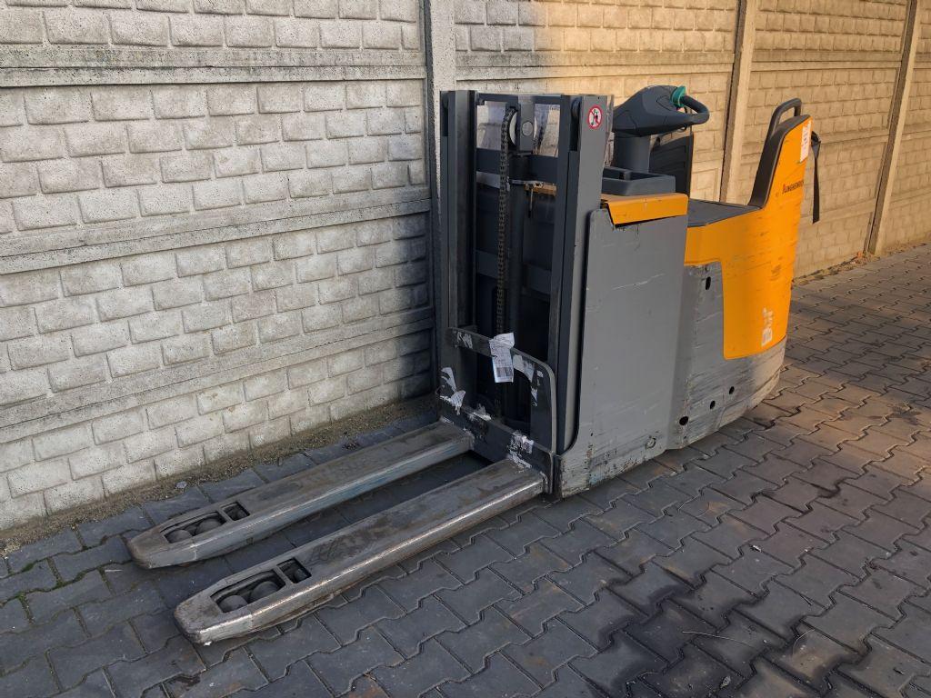 Jungheinrich ERD220 High Lift stacker www.superlift-forklift.com
