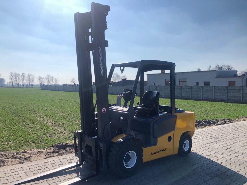 Jungheinrich DFG435 Diesel Forklift www.superlift-forklift.com