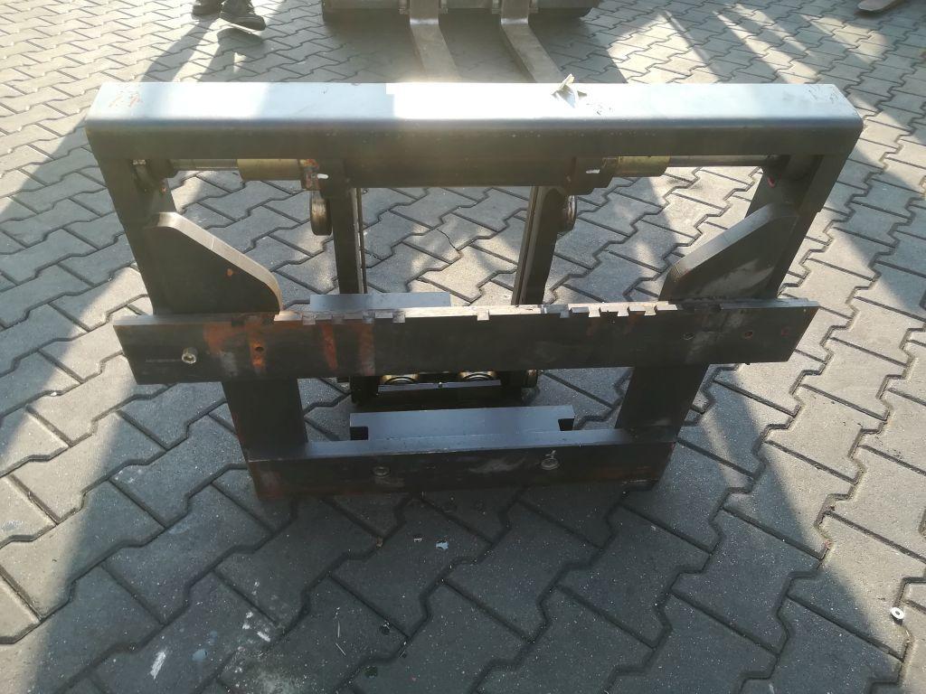 Linde Reach Truck Fork carriage www.superlift-forklift.com