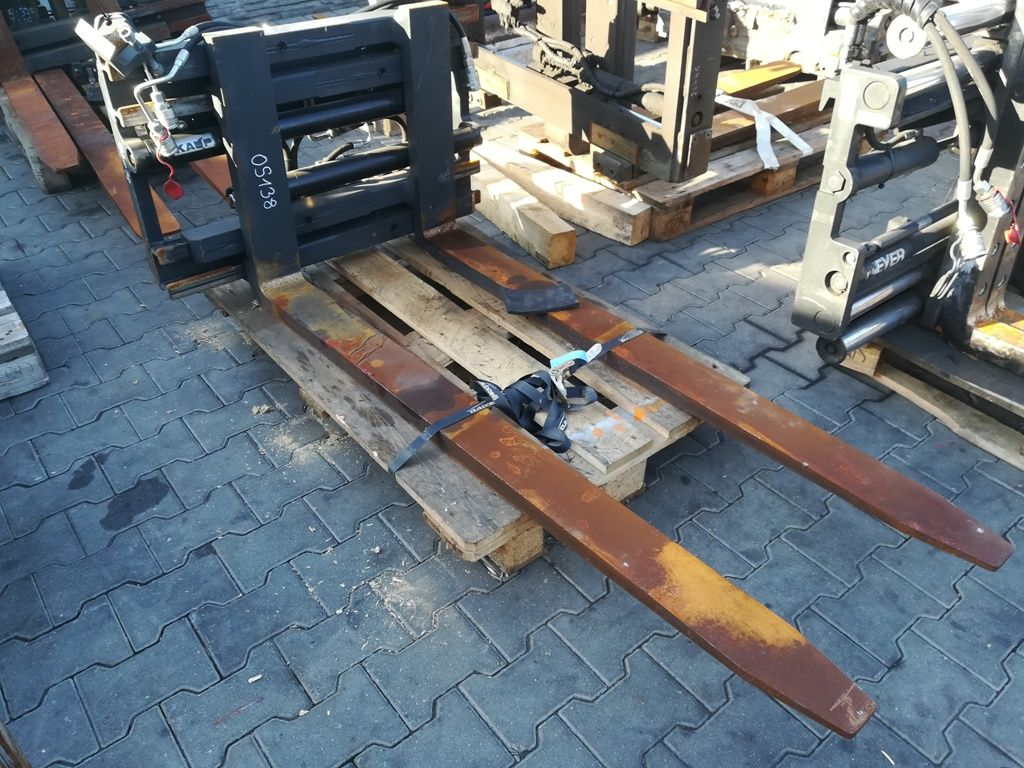 Kaup 1,5T411 Fork positioners www.superlift-forklift.com
