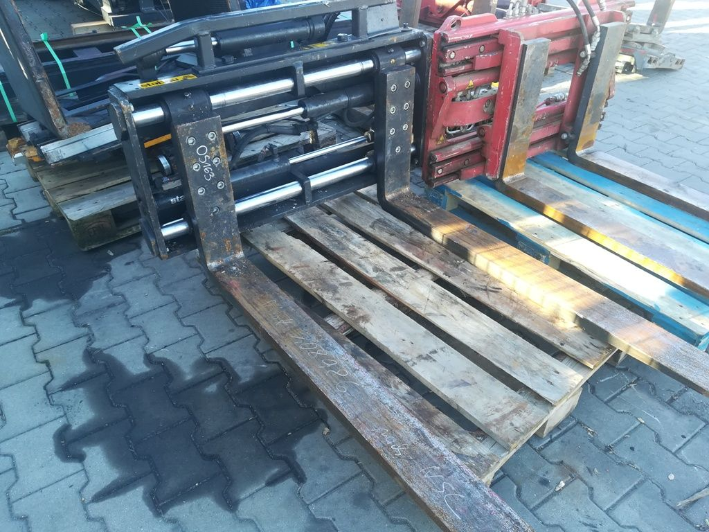 Stabau S11-ZV 25-S-SO Fork positioners www.superlift-forklift.com