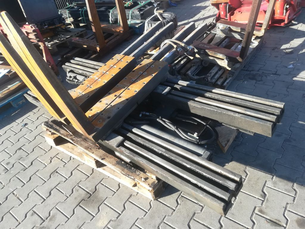 Kaup 6T429-4 Multi-pallet handler www.superlift-forklift.com